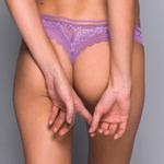 601733-calcinha-fio-dental-purple-modelo-costas