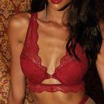 603136-sutia-meia-taca-vazado-red-velvet-love-appeal-modelo